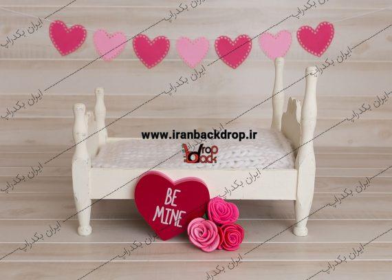 بک گراند ولنتاین تخت سفید
